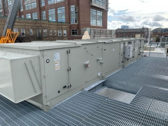 commercial-equipment-on-roof