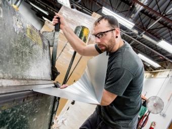 technician-bending-sheet-metal
